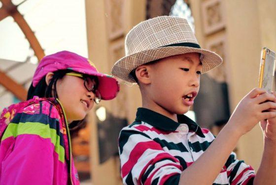najlepsze-smartfony-i-telefony-dla-dzieci